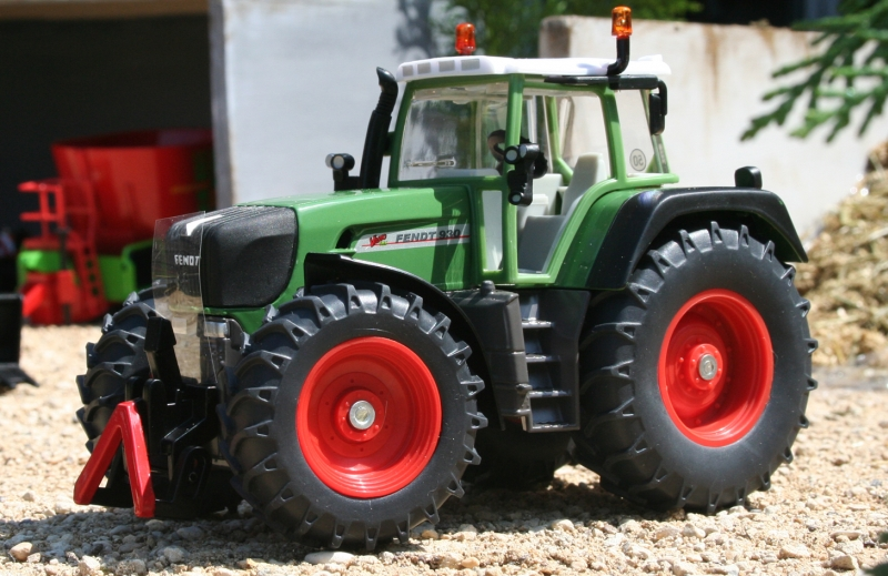 Fendt 930 Vario in the model farm yard